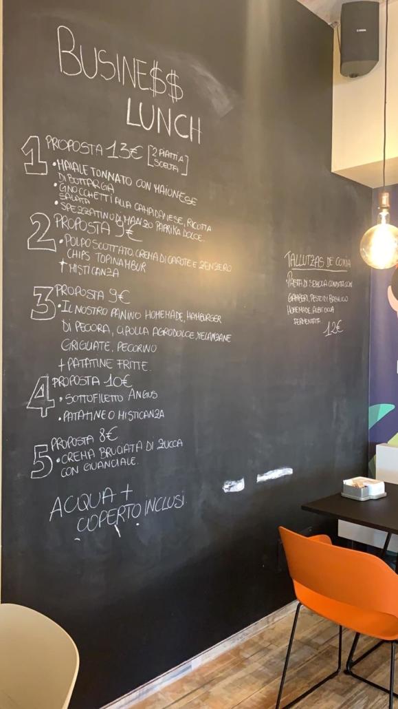 Un ricco business lunch, oggi da Room 49 Bistrot a Quartu Sant'Elena.