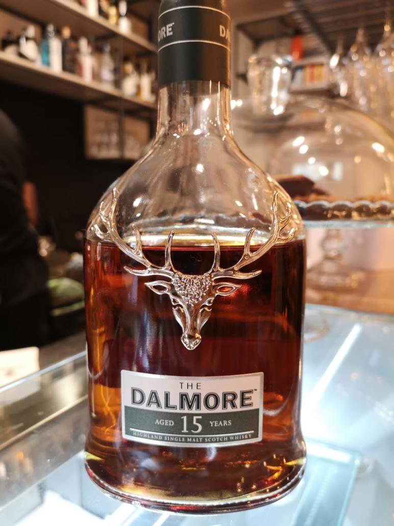 Dalmore distillery, icona scozzese del whisky da Room49 Bistrot a Quartu Sant'Elena