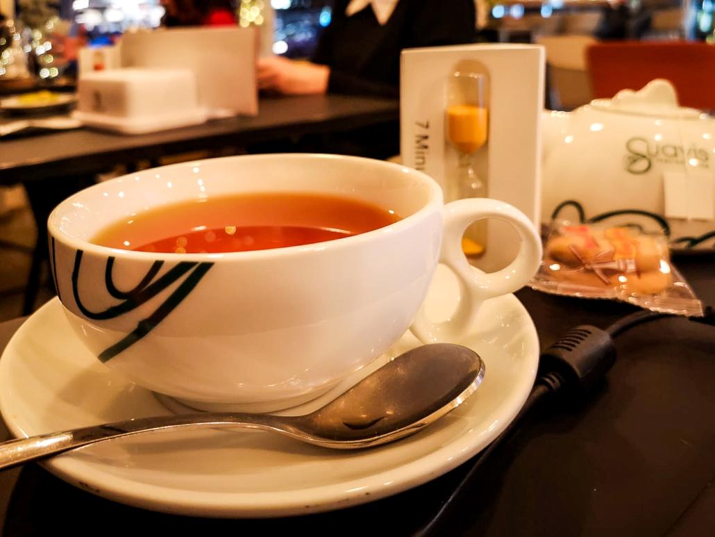 Il rito del tè Suavis da Room 49 Bistrot a Quartu Sant'Elena